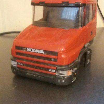 Ny och beg Emek lastbils hyttar i skalan 1.25
